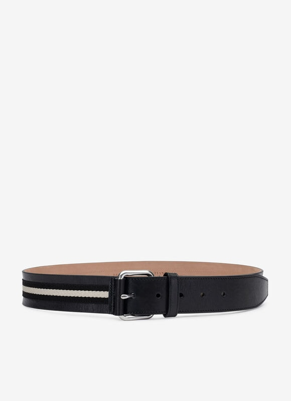 The black Tianis gentleman\\\'s belt is ideal for stylish evenings in the city. Produced in calf leather, it has a refined touch and appearance underpinned by our iconic Trainspotting stripe.