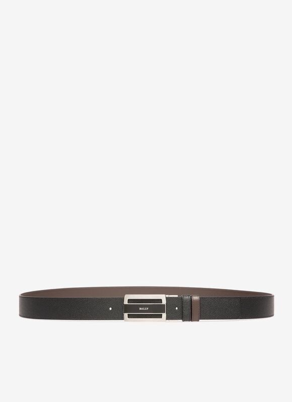 Skillfully crafted from supple calf leather, this sleek reversible belt can be switched instantly from black to brown with a slight twist of the buckle.